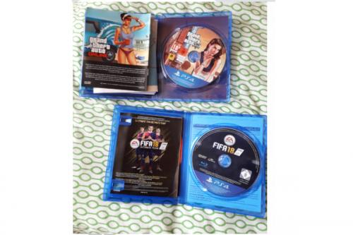 PS4 en 2 spellen + (tv) scherm  (12)
